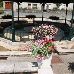 0dcd5-Fontaine-du-Jalant-2.jpg